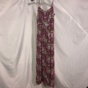 NWT FLORAL MAXI DRESS with leg slit